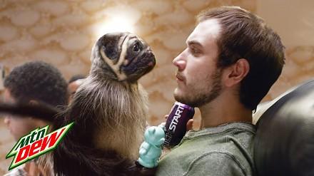 Połączenie szczeniaka, małpy i niemowlaka - zakręcona reklama z Super Bowl