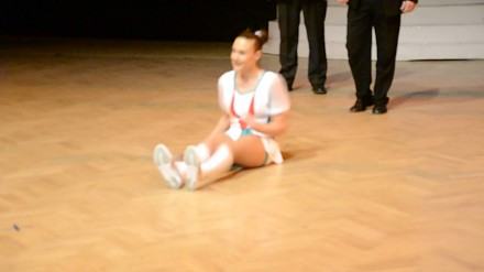 Mistrzyni świata w skakance tańczy czardasza