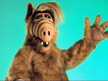 """Jak skończył się """"Alf"""", """"Cudowne lata"""" i inne seriale naszego dzieciństwa?"""