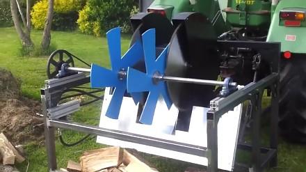 Ciekawa maszyna do cięcia drewna