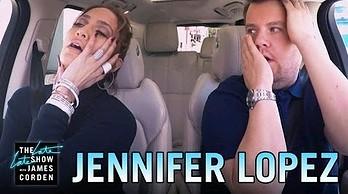 Jennifer Lopez śpiewa w samochodzie