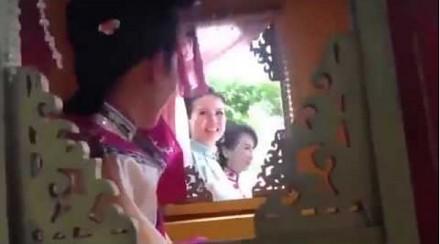 Chiny i ich sposób na dobre filmowe ujęcie podczas jazdy
