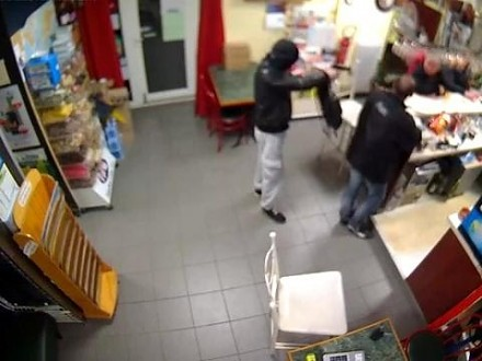 Nieudany napad na sklep. Trafił na odważniejszą od siebie
