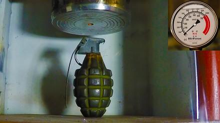Prasa hydrauliczna kontra granat