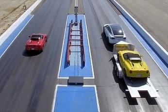 Nietypowy drag race - Alfa 4C kontra Tesla Model X z Alfą 4C na przyczepie
