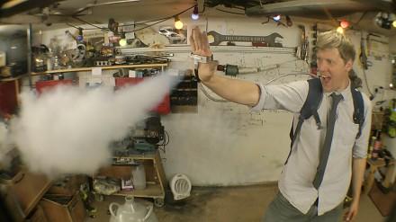 Kolejna konstrukcja Colina Furze - miotacz ciekłego azotu