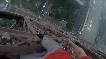 Wspinaczka po wieży Eiffela (+ widok z drona)