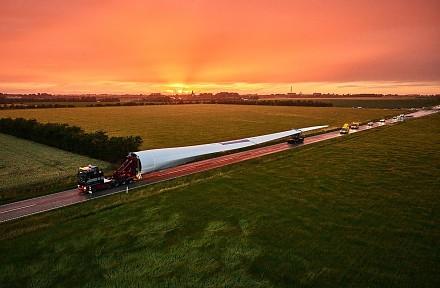 Transport najwiekszego na świecie smigła do turbiny wiatrowej