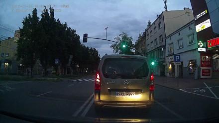 Uwaga, osioł na drodze w Częstochowie