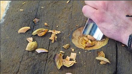Tworzenie drewnianej łyżki ze stuletniej deski sosnowej