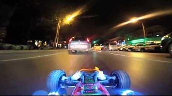 Pojazd zdalne sterowane bierze udział w ruchu ulicznym