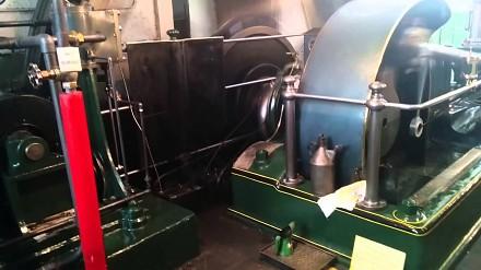 Rozruch, start i praca silnika parowego z 1894 roku