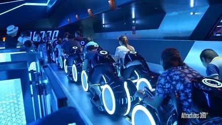 Disneyland w Szanghaju i niesamowita kolejka rodem z TRONu