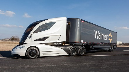Kompilacja największych ciężarówek i wielkogabarytowych transporterów