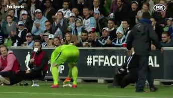 Niecodzienna sytuacja w trakcie meczu w Australii