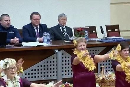 To jeszcze Polska czy już Korea? Zobacz jak gości się ministrów