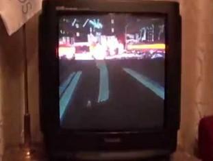 Działanie telewizora CRT nagrane kamerą 1000 FPS