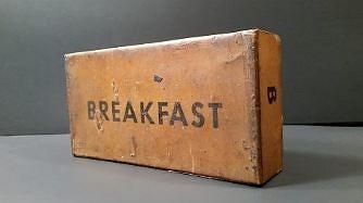 70-letnia wojskowa racja śniadaniowa z okresu II Wojny Światowej