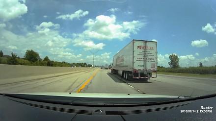Jak autopilot Tesli reaguje w niebezpiecznych sytuacjach?