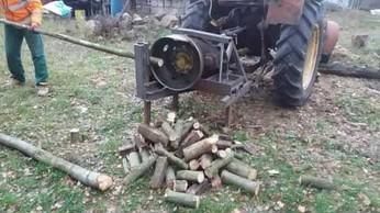 """Z cyklu """"Polak potrafi"""" - rębak do drewna"""