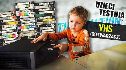 Młodzi Polacy próbują odgadnąć do czego służy VHS