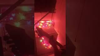 """Zagrał """"Jingle Bells"""" na gitarze... i pralce"""