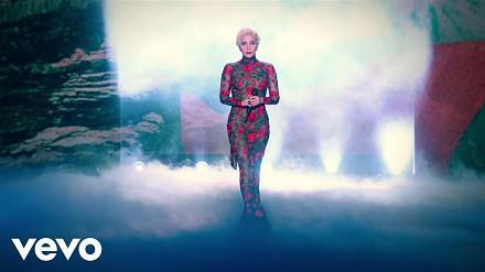 Lady Gaga i piękne modelki na pokazie Victoria's Secret