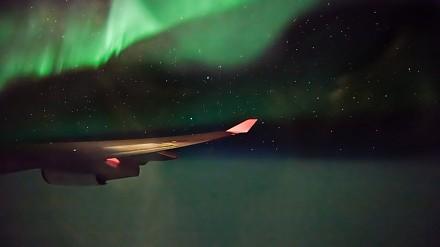 Timelapse z podróży z San Francisco do Paryża - widok z okna samolotu