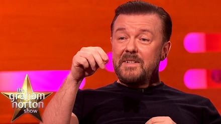 Ricky Gervais opowiada historię o znalezieniu skóry węża