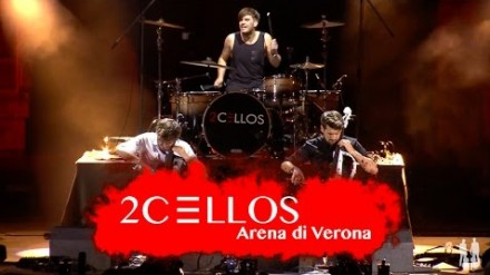 They Don't Care About Us w wykonaniu 2CELLOS