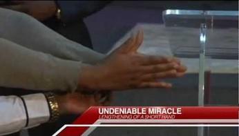 Supernaturalne wydłużanie dłoni na żywo!