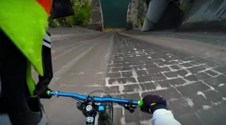 Szczyt adrenaliny podczas jazdy na rowerach