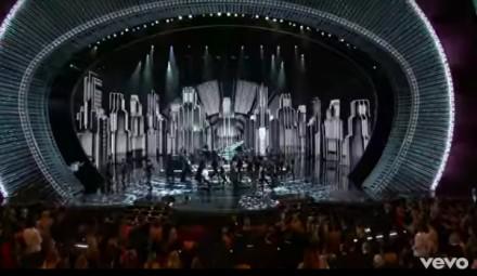 """Justin Timberlake śpiewa """"CAN'T STOP THE FEELING!"""" podczas gali rozdania Oscarów"""