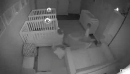 Co robią 2-letnie bliźniaki w nocy?