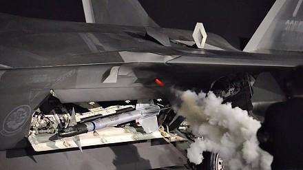 Tak brzmi start silnika w F-22