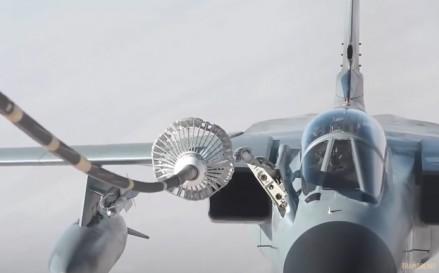 Niesamowite ujęcie tankującego w powietrzu AV-8B Harriera
