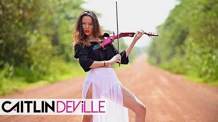 Kobieta ze skrzypcami, która rozgrzeje każdego mężczyznę