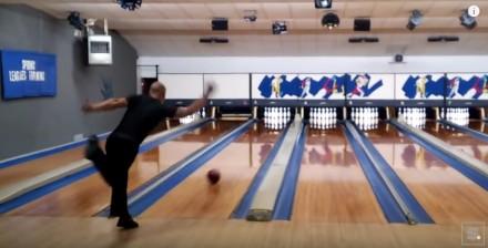 Rekord świata w bowlingu - 12 uderzeń w 86,9 sekundy!