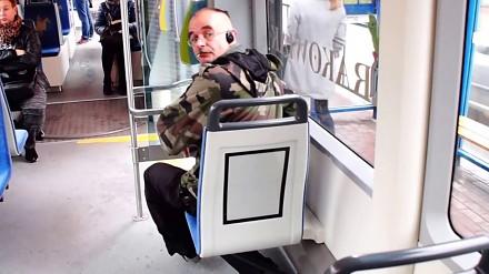 Agresywny palacz w krakowskim tramwaju