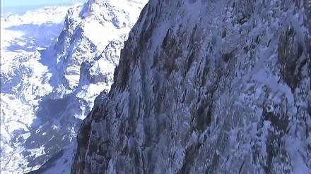 Ueli Steck w rekordowym czasie wbiega na Eiger