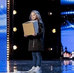 Dziewczynka z magicznym pudełkiem