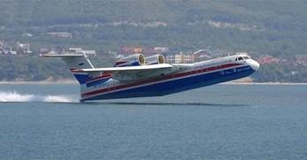 Pokaz możliwości rosyjskiej łodzi latającej Be-200