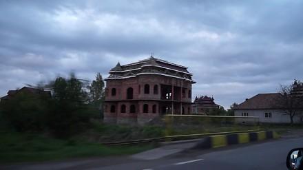 Cygańskie pałace w rumuńskim Huedin