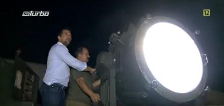 Reflektor lotniskowy do oświetlania pasa startowego
