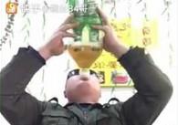 Jak wypić cztery butelki piwa naraz?