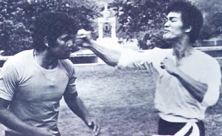 Jedyna prawdziwa walka Bruce'a Lee, którą zarejestrowała kamera