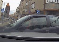 Polscy kierowcy wciąż mają pecha na drodze... lub nie potrafią jeździć