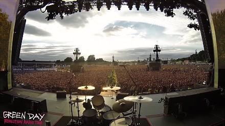 """65-tysięczny tłum jako """"support"""" śpiewający utwór zespołu Queen - Bohemian Rhapsody"""