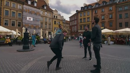 Kodaline i utwór Brother wykonany akustycznie na ulicach Warszawy
