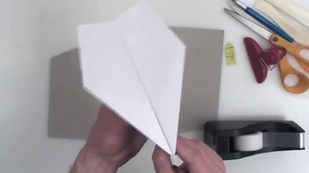 Najlepszy samolot z papieru (rekordzista Guinnessa)